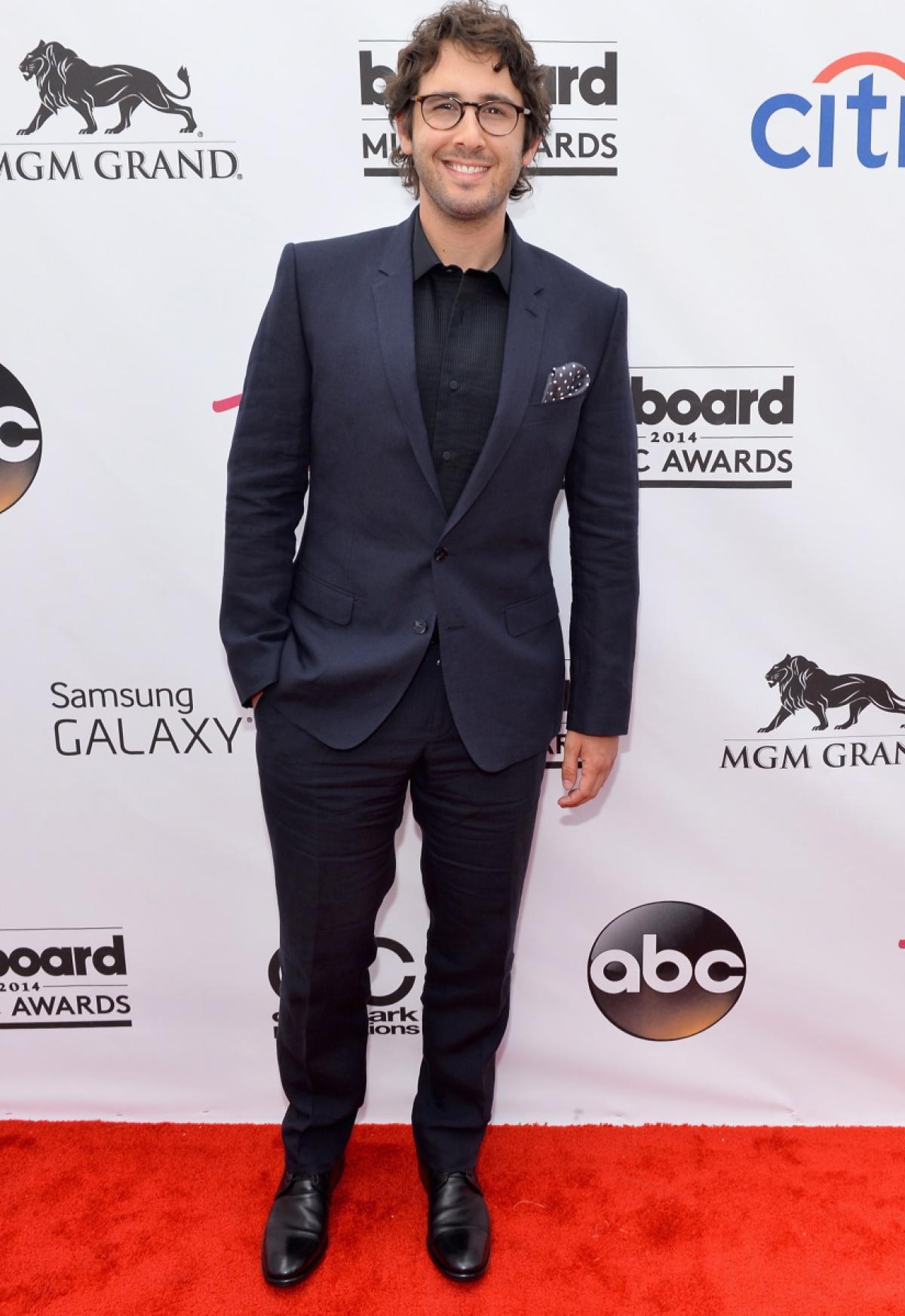 2014 Billboard Award josh-groban