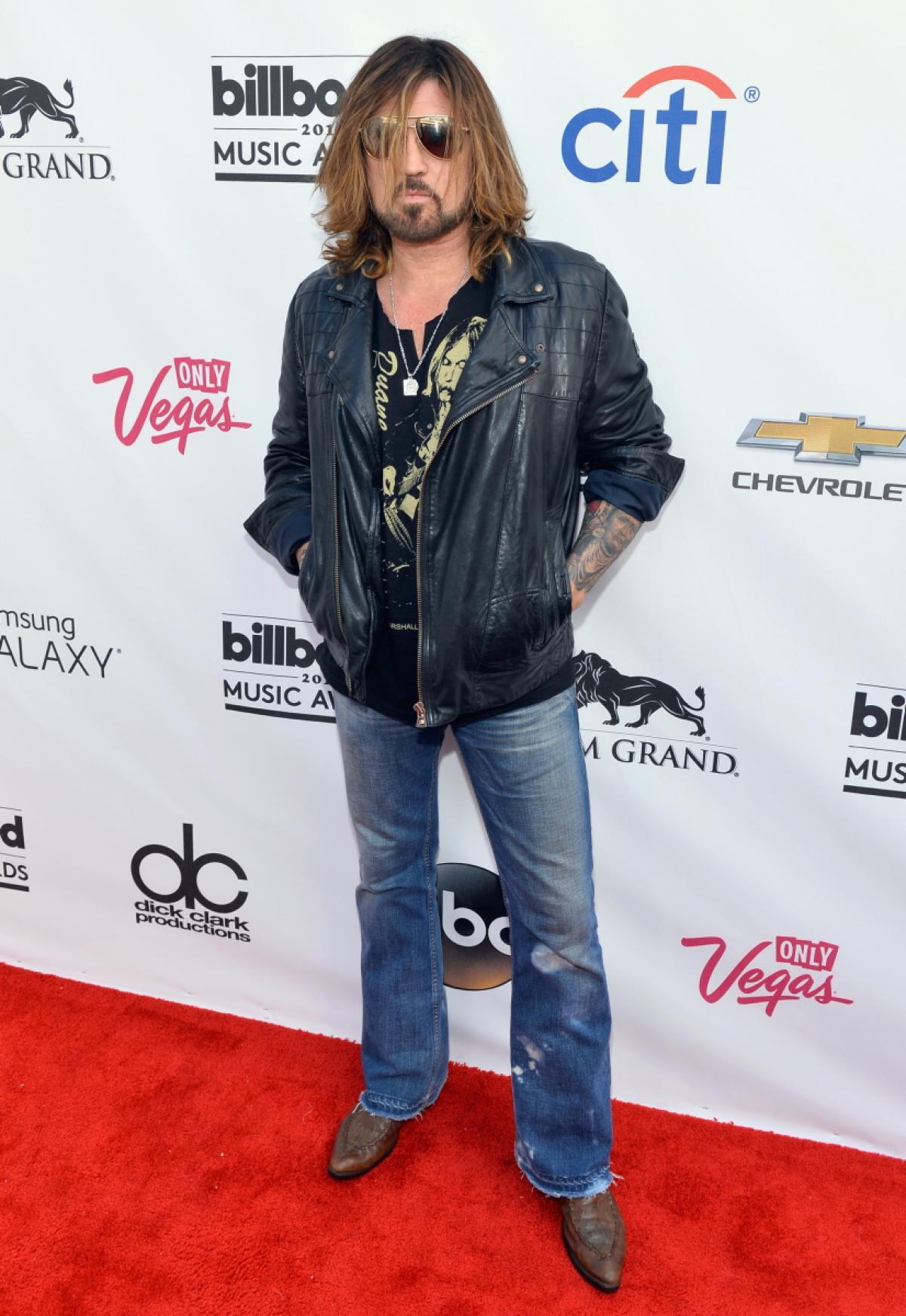 2014 Billboard award billy-ray-cyrus