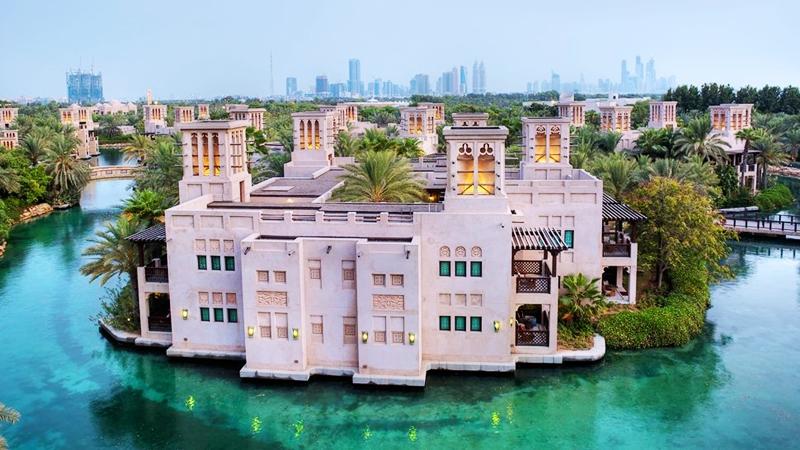 10-top-luxury-hotels-dubai-jumeirah-dar-al-masyaf-toni-payne-travel